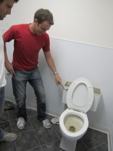 matt testing toilet