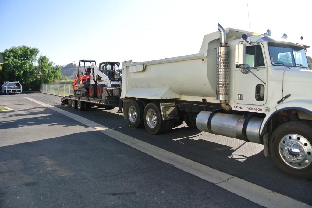 dump-truck-bobcat